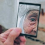 old-woman-in-mirror